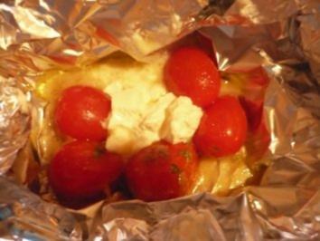 Rezept: Strauchtomaten - Ziegenkäse -Päckchen vom Grill