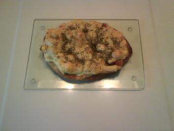 Abendbrot: Naan-Brot mit Speck und Käse - Rezept