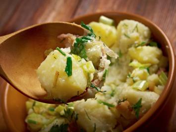 Omas warmer Kartoffelsalat - Rezept - Bild Nr. 2