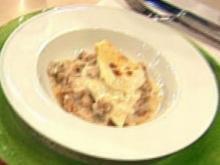 Lasagne vom Truthahn mit Béchamel und geschmorter Paprika a la Kleeberg - Rezept