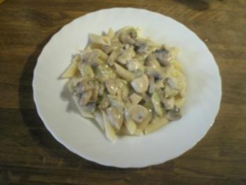 Nudeln mit Champignon - Senfrahm - Rezept