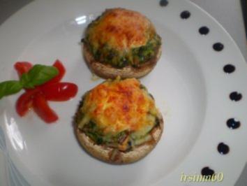 Mit Blattspinat und Schinken gefüllte Pilze - Rezept