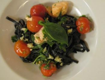 Schwarze Spaghetti mit Zitrone und Lachs - Rezept
