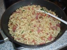 Wurstnudeln mit Parmesan - Rezept