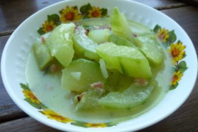 saftig warme Salatgurke - Rezept