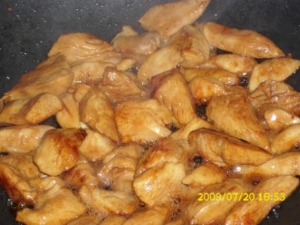 Fleisch:  Hähnchen in Kokossoße mit Galgant und Paprika - Rezept - Bild Nr. 4