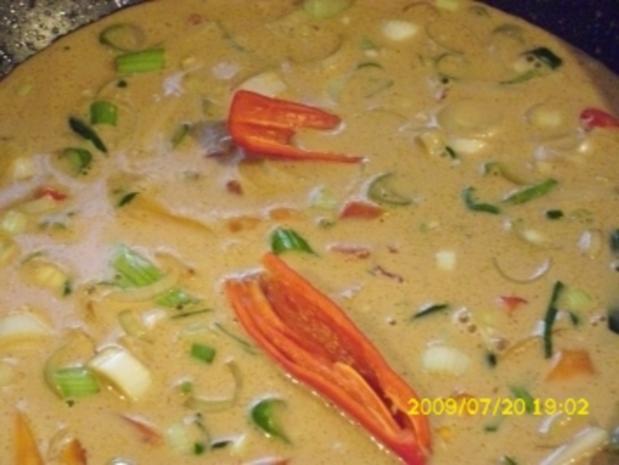 Fleisch:  Hähnchen in Kokossoße mit Galgant und Paprika - Rezept - Bild Nr. 5