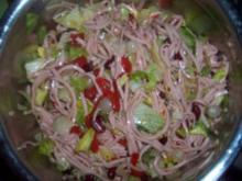 Feuriger Salat mit Fleischwurst - Rezept