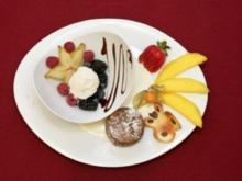 Warmer Schokoladenkuchen an geeister Vanillesoße (Jürgen Drews) - Rezept