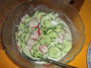 Gurkensalat mit Radieschen - Rezept