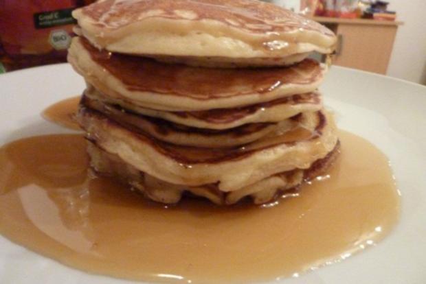 Pancakes mit Sternanis-Kaffee-Sirup - Rezept