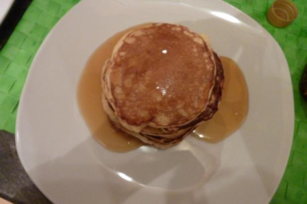 Pancakes mit Sternanis-Kaffee-Sirup - Rezept - Bild Nr. 2