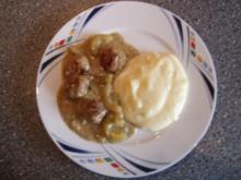 Schmorgurkenpfanne mit Mettbällchen - Rezept