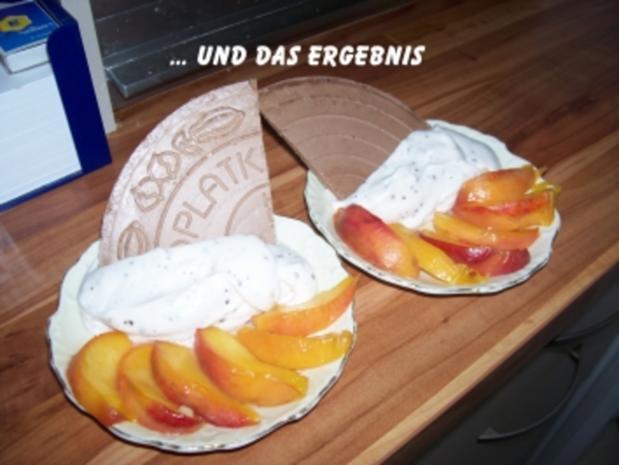 Süßspeise - Karamelisierte Pfirsichspalten auf Stracchiatellacreme - Rezept