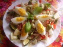 Salat mit neuer Dressingvariante - Rezept