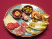 Tapas - Scampi, Datteln, Aioli, Serranoschinken, Manchego-Käse und Oliven - Rezept