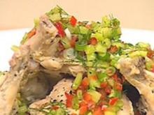 Gurkensalat und pochiertes Huhn - Rezept