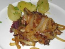 Lammsteak mit Rosmarin, gedünst. Zwiebeln, Petersilienkartoffeln - Rezept