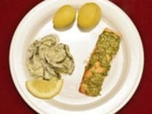 Lachsfilet mit Senfkruste und Gurkengemüse - Rezept