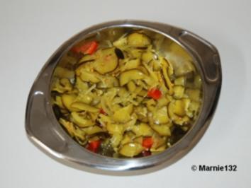 Zucchini Salat süß-sauer zum einkochen - Rezept
