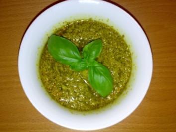 ** Soßen & Dips ** Frisches Basilikum Pesto - Rezept