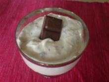 Bananen-Creme mit Schokostückchen - Rezept