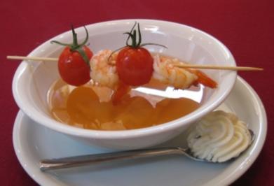 Klare Tomatenkraftbrühe - Rezept