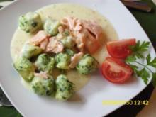 Pasta:  Petersiliengnocchi mit Weißwein-Sahnesoße und Fisch - Rezept