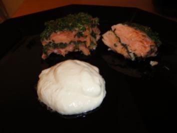 Kräuterlachs mit Dill-Meerrettich - Sauce - Rezept