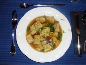 Rezept: Consommé mit Käseschöberl
