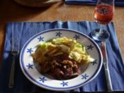 Nudelfleckerl mit Spitzkohlan Entenbrust mit Apfelgemüse - Rezept