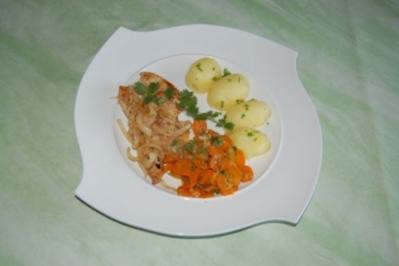 Putensteak mit Karottengemüse und Kartoffeln - Rezept