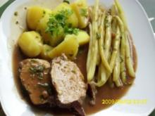 Fleisch:  Schmorbraten vom Schweinerücken mit gelben Bohnen und Salzkartoffeln - Rezept
