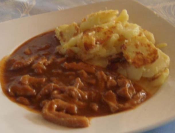 Omi`s Saure Kutteln mit Bratkartoffeln - Rezept