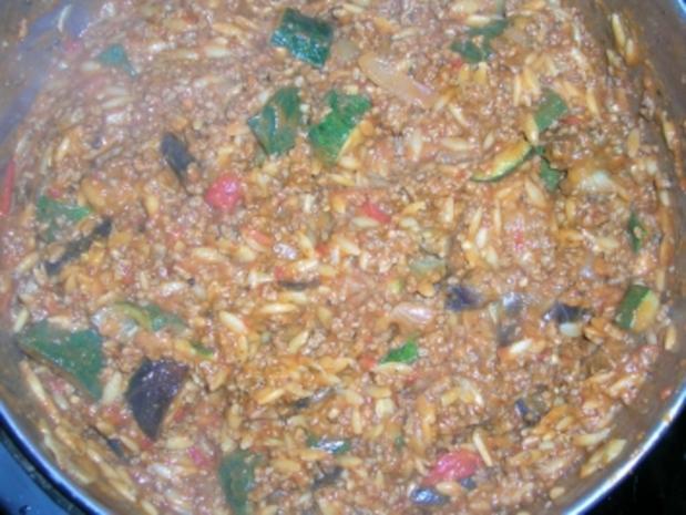Kritharaki mit Gemüse und Lammfleisch (griechische Nudelspezialität mit Lammhack -geht auch mit Rind, wer Lamm absolut nicht mag) - Rezept - Bild Nr. 4