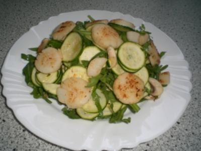 Jakobsmuscheln mit Zucchinisalat - Rezept