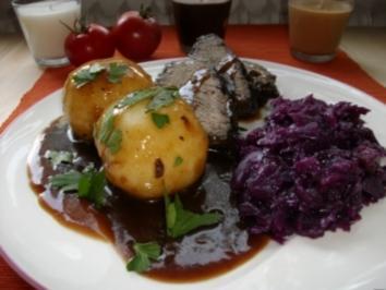 Sauerbraten mit Rotkohl und Klößen - Rezept