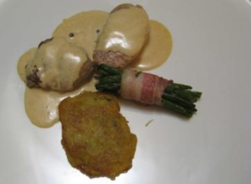 Medaillons vom Kalb und Schwein mit Pfefferrahmsoße an Prinzessböhnchen - Rezept