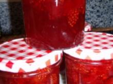 Erdbeer-Kiwi-Konfitüre mit grünen Pfeffer - Rezept