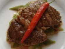 Entrecote mit Kardamon-Vanille-Peperoni-Butter - Rezept