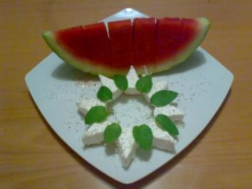 ** Snacks & Quickies ** Wassermelonen - Schiffchen mit Schafskäse und frischer Minze - Rezept