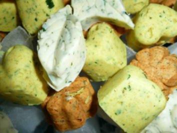 Rezept: Bunte Knofi-Party-Butter