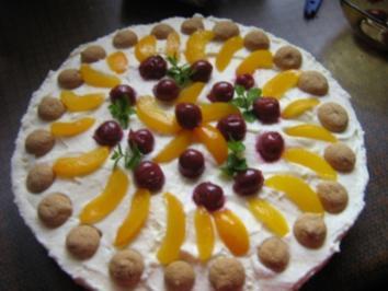 Amarettini-Aprikosen-Sauerkirsch - Torte - Rezept