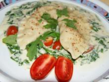 Selbstgemachte Ravioli mit Ricotta auf Rucolabett - Rezept