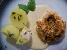 Pesto-Lachsrollen mit Honig-Senf-Sauce - Rezept