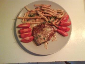 Geflügel: Putenschnitzel mit Pommes und Austernpilzsoße - Rezept