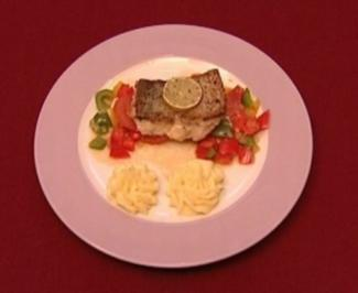 Red Snapper auf Paprika-Ingwer-Gemüse mit Kartoffelpüree (Michael Müller) - Rezept