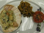 Jakobsmuschelragout Marseiller Art auf Zucchini-Auberginen-Julienne - Rezept