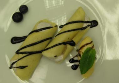 Blaubeerhippen mit Zitroneneis - Rezept