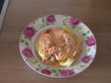 Tortellini in Käse-Sahne-Sosse - Rezept
